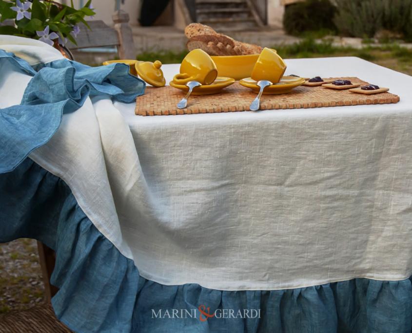 tovaglie da tavola su misura tovaglioli in lino bianca con balza turchese